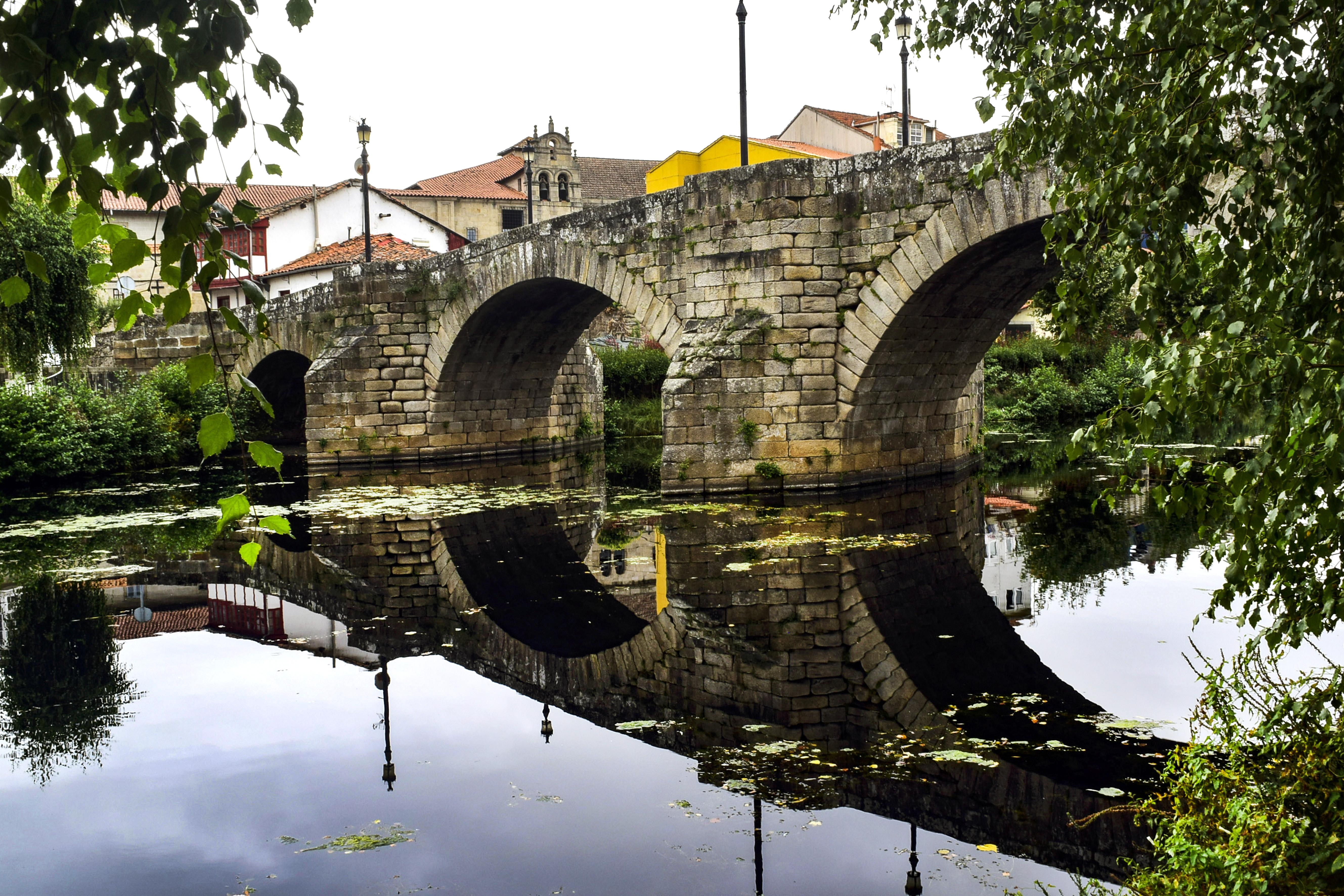 2º Premio: Puente Medieval sobre el río Cabe en Monforte