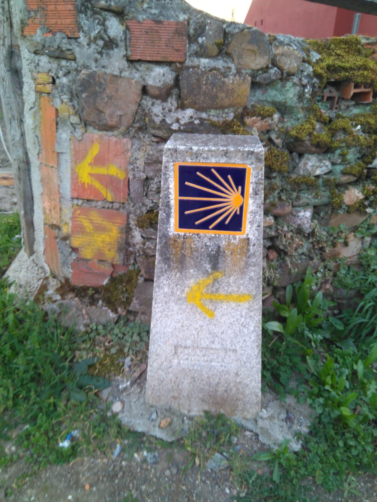 """""""Fito"""" - Mojón distintivo de un Camino de Santiago"""