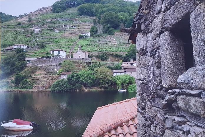 Accesit: Belesar (Río Miño) de Mª Teresa Hernández Merino