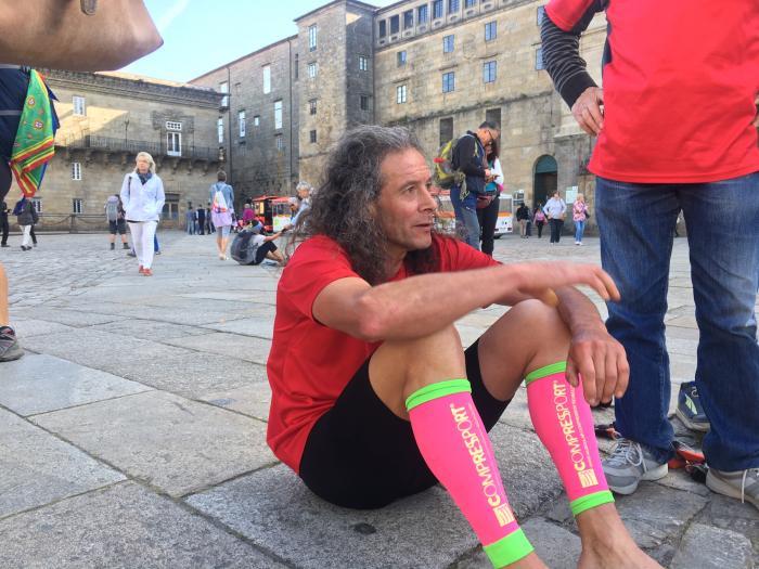 Ibarra no corría solo.  Miles de personas  corrían con él por el Camino de Invierno, a través de las redes sociales.