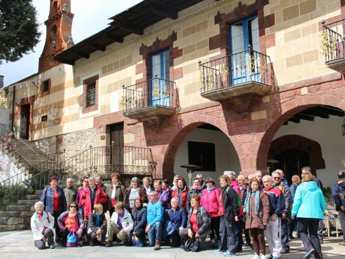 La Asociación del Camino de Invierno por Ribeira Sacra presenta en Valdeorras el Segundo Anuario: Vía Jacobitana. Camino de Invierno