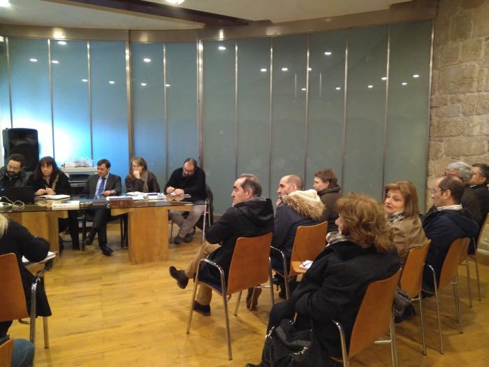 La propuesta de Ribeira Sacra para ser decalarada Patrimonio Cultural de la Humanidad reune a empresas turísticas, asociaciones e instituciones locales en Castro Caldelas